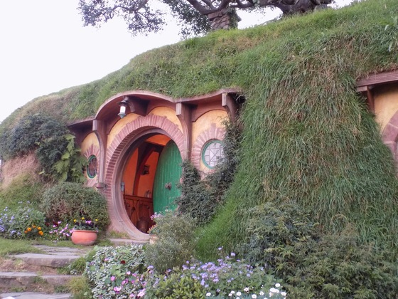 Nuova Zelanda - Casa Baggins a Hobbiton Movie Set - di LiviaP88