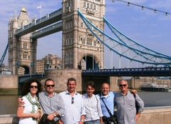Tower Bridge e gruppo - Cultura