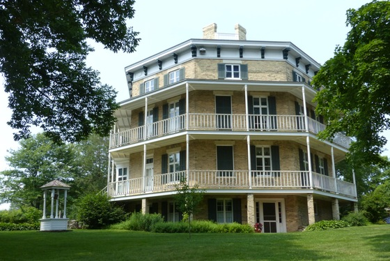 Indiani - Watertown's Octagon House - di Kingsize