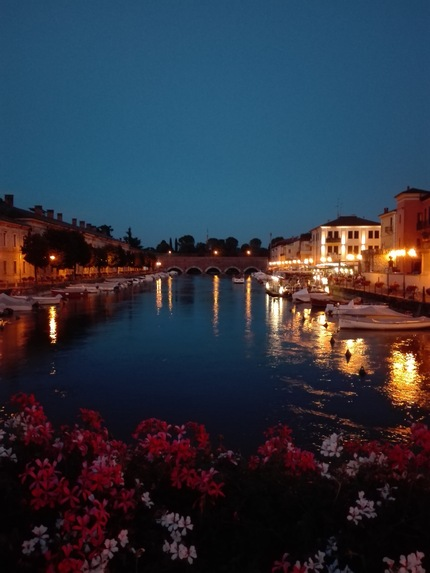 Peschiera del Garda by night