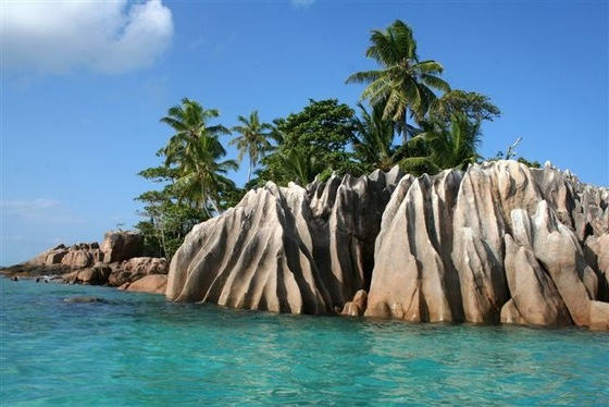 La Digue - seychelles - st. pierre island - di honey-sunny