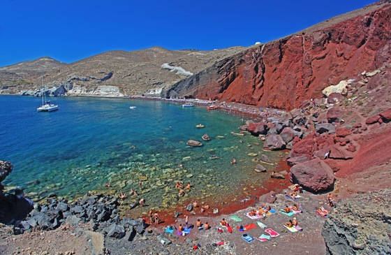 Egitto - 54   red beach, santorini - di Turisti Per Caso.it
