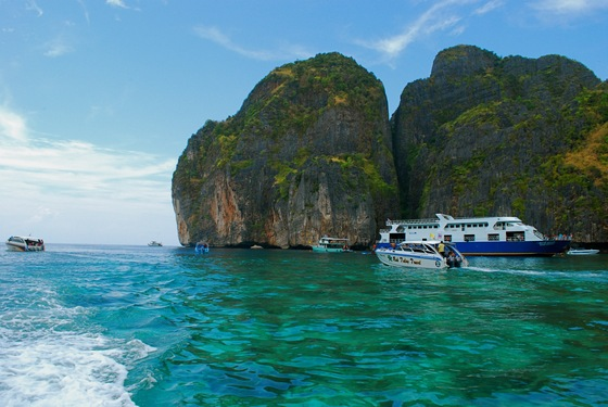 Phi Phi island - The Beach - di videosilvia