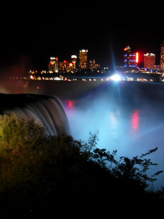 Niagara - Cascate di Niagara  by night - di ALE.LZ