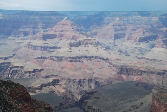 Grand Canyon - Una piramide nel Gran Canyon - di jonni53