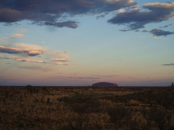Uluru - uluru at sunset - di lucy85